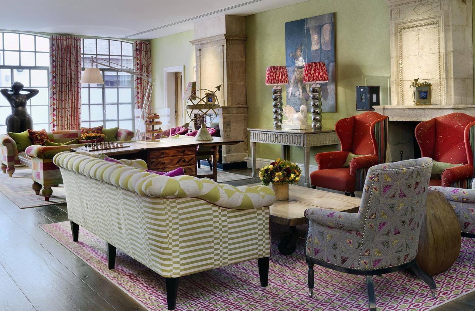 A Living Room Kit Kemp
