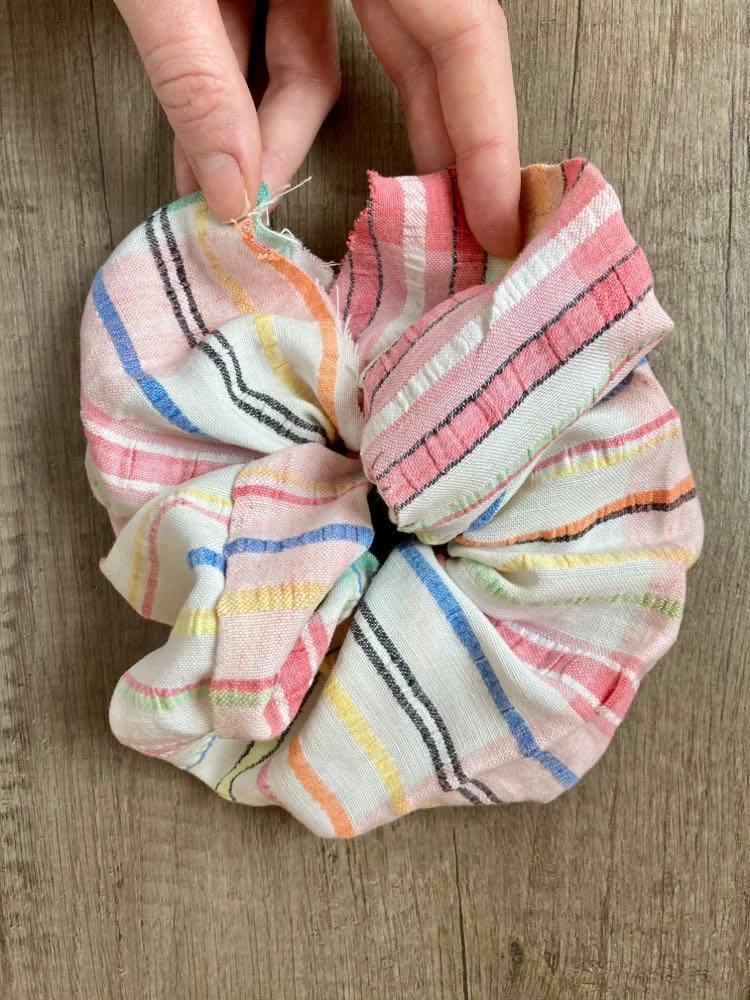 DIY Hair Scrunchie